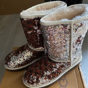 Rare UGG boots reversible sparkles size 7 new